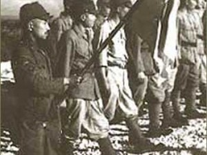 Kapetan Sakae Oba predaje se sa svojim suborcima