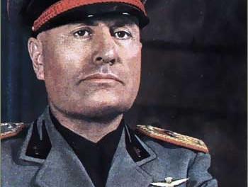 Mussolini u uniformi