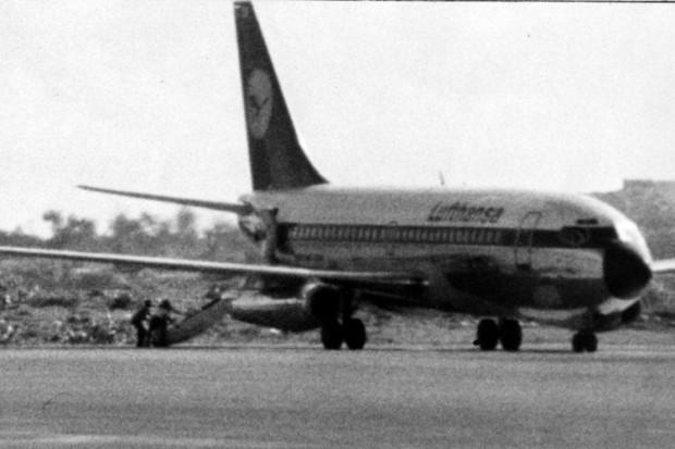 Spuštanje tijela pilota Jürgena Schünemanna