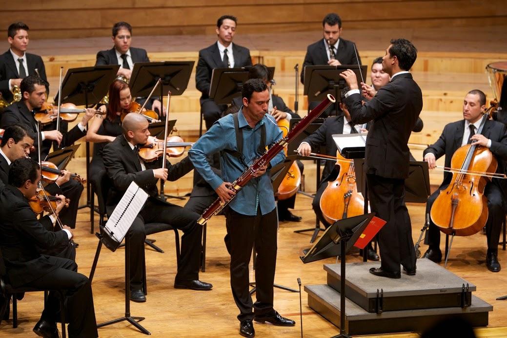 Član orkestra Gonzalo Hidalgo, 22-godišnji fagotist, koji se istovremeno obrazuje za liječnika, vlastitim riječima kaže: I nakon diplome ću nastaviti svirati u orkestru. Orkestar mi je dao discpilinu i naučio me dijeliti iskustva s drugim ljudima. Ne mogu zamisliti svoj život bez glazbe.