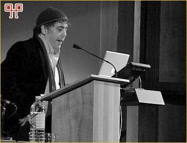 Haviv danas često drži inspirativna predavanja za mlade fotografe