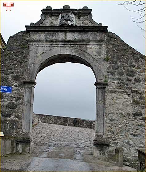 Vela vrata Buzeta