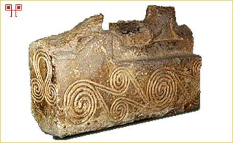 Dio kamena ukrašena spiralama iz Nezakcija
