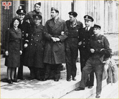 Monuments Men u Münchenu 1945. godine