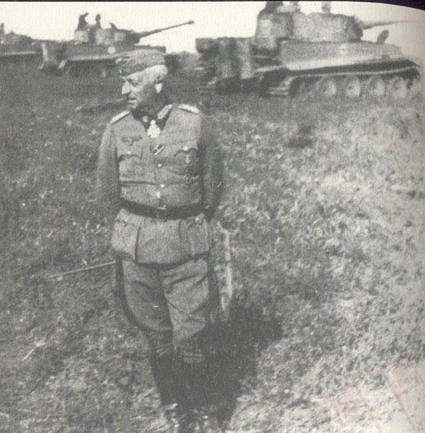 Feldmaršal u obilasku linije fronta