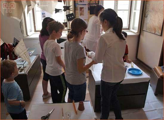 Učenici na radionici u Muzejskoj zbirci Kastavštine