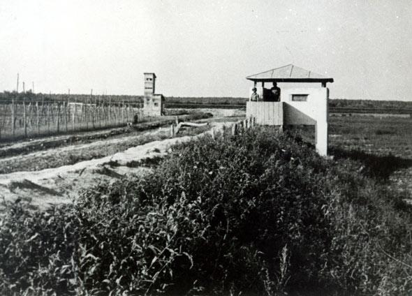 Drveni bunker i zidana promatračnica – osiguranje logora III Ciglana, srpanj 1942.