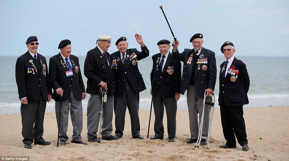 Wally Beale (90), Dough lakey (94), Bernie Howell (89), Bob Conway (88), George French (88), Gordon Smith (90) i Albert Williams (96)