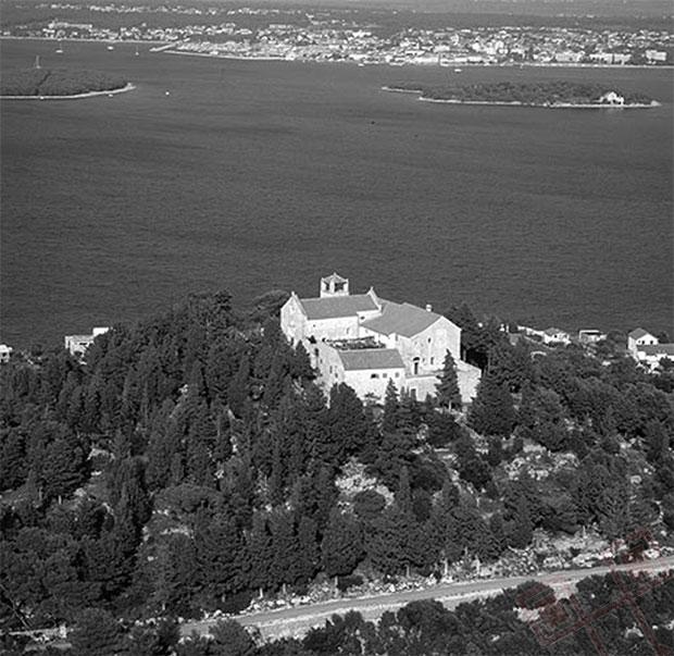 Samostan na brdu Ćokovac, preuzeto sa: URL 4