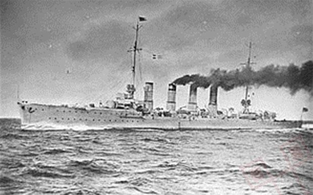 """Krstarica """"Karlsruhe"""" na otvorenom moru."""