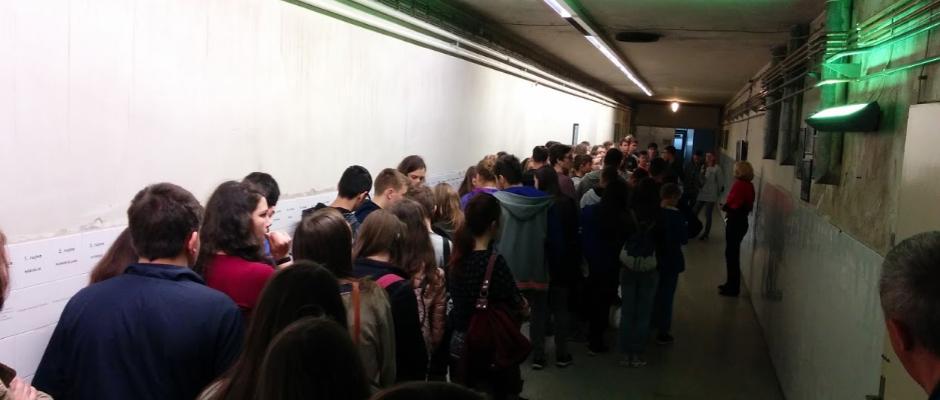 Podrum vukovarske bolnice (upozorenje za osjetljive učenike - uvodni film sadrži krvave scene)