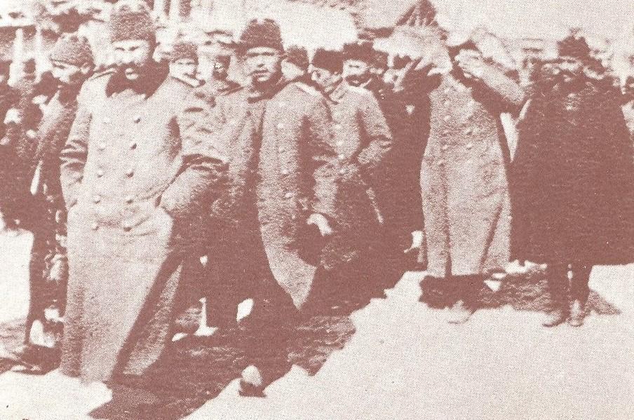 Zarobljeni turski časnici