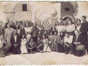 Hrvati u izbjegličkom kampu u Fermu